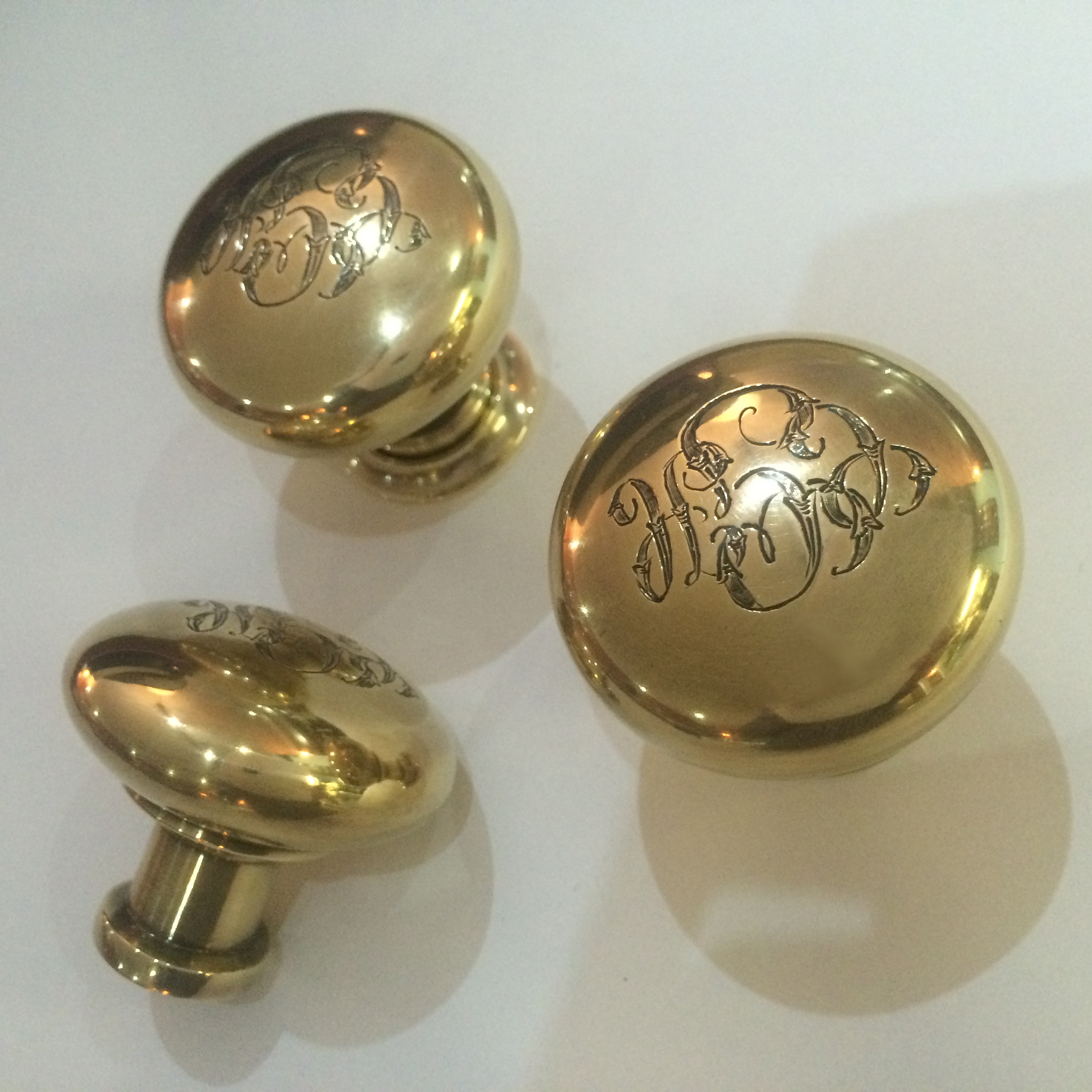 monogram knob | burnished light antique brass